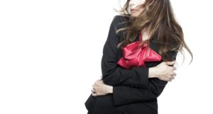 職場におけるセクシャルハラスメントの対処法や辞職する方法